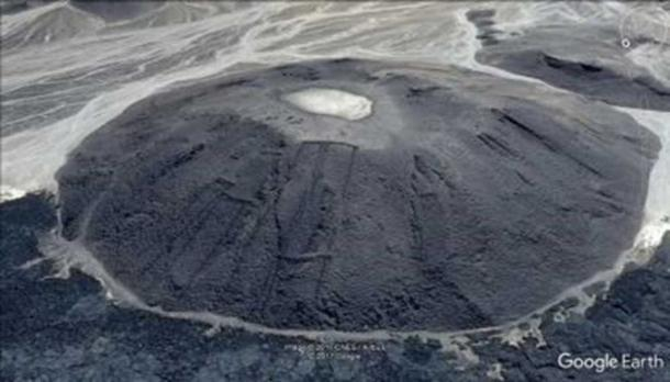Gate-shaped structures are also visible on lava domes. (Image: Google Earth)