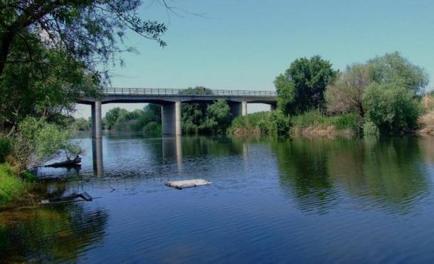 he Gediz River, Turkey, where the stone tool was found