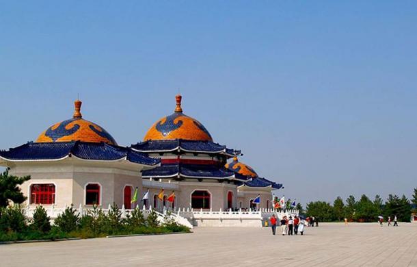 Genghis Khan Mausoleum near Ordos in Inner Mongolia. (Magnus Manske / CC BY-SA 3.0)