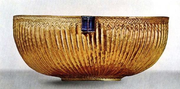 Gold and lapis bowl from Ur, Iraq Museum IM8272. Current statue is unknown. Oriental Institute Lost Treasures from Iraq database