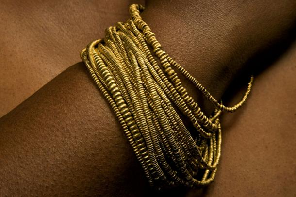 Gold bead strings of Mapungubwe (CC Department of UP Arts, University of Pretoria)