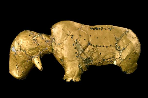 Gold bovine figurine from the Mapungubwe Collection (CC Department of UP Arts, University of Pretoria)