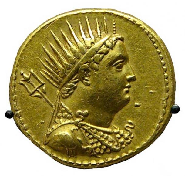 Gold coin depicting Ptolemy III issued by Ptolemy IV to honor his deified father