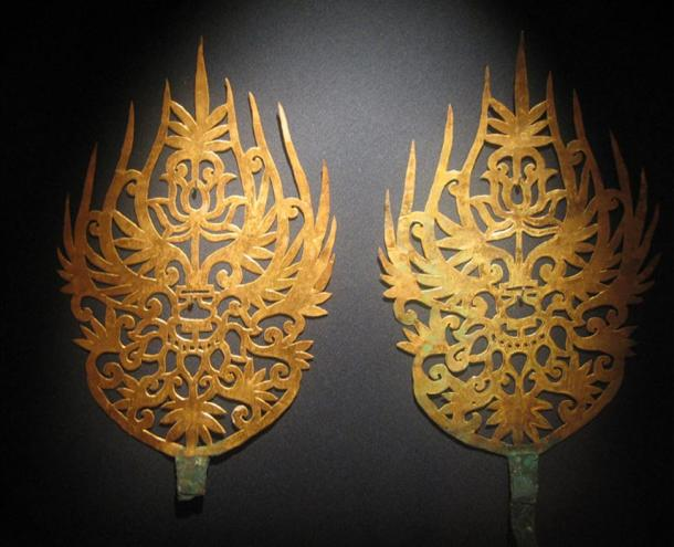 Gold diadem with intricate detail from the Baekje kingdom. By forcoolife.2007.