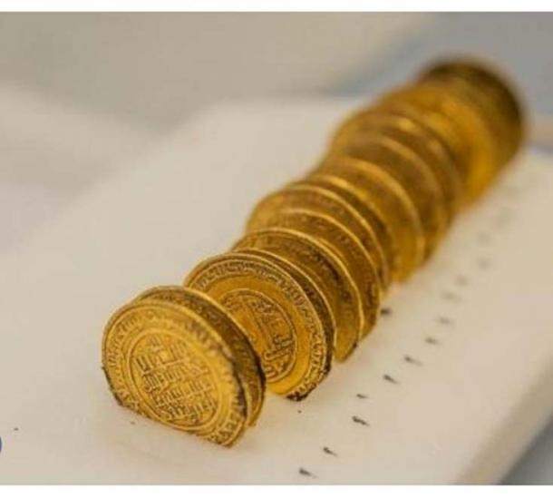 Gold dinars were found.