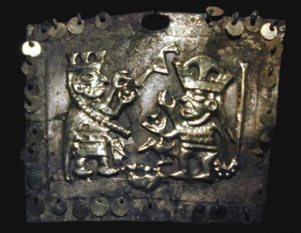 Gold nose clip/ring showing a priestess giving a cup of blood to a bird warrior.