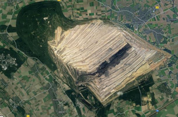 Google image of the area destroyed by mining, with the remaining Hambach Forest bottom right. (Google Maps)