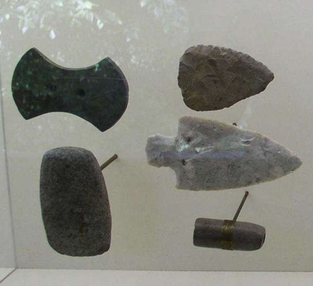 Gorgets and points from the Adena culture, found at a mound site. Representational image.
