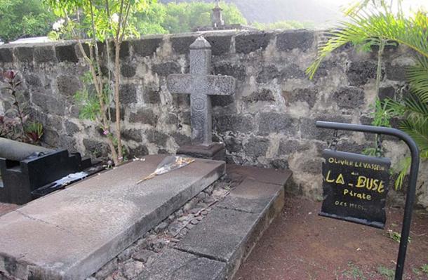 "Grave of Oliver Levasseur, ""La Buse"" Pirate in Saint-Paul, Reunion."