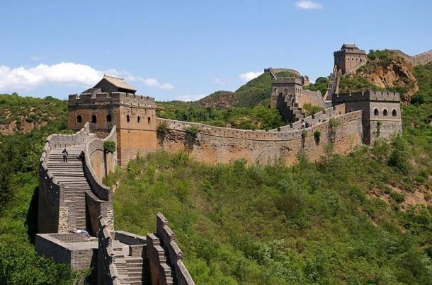 Great Wall of China near Jinshanling was commissioned by Qin Shi Huang.