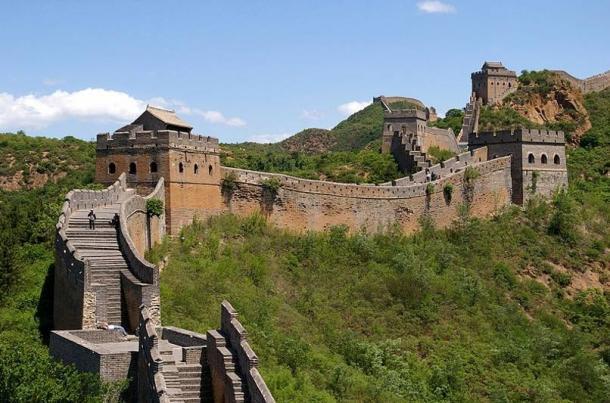 Great Wall of China near Jinshanling was commissioned by Qin Shi Huang.
