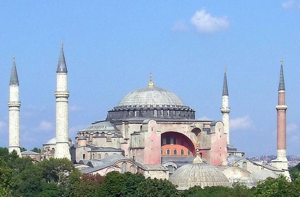 Exterior view of the Hagia Sophia, 2004.