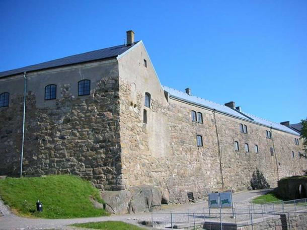 Halland Museum of Cultural History is situated in this building in the Varberg Fortress.