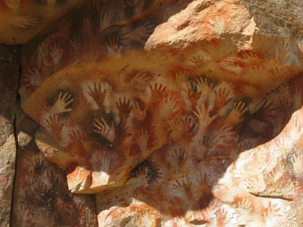 Hands at the Cueva de Las Manos in Argentina. (MrHicks46/CC BY SA 6.0)