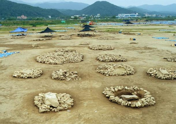 In 2014, Hangang Institute of Cultural Heritage said of Jungdo Island, 'the whole island is a Prehistoric ruin' (Yonhap News)