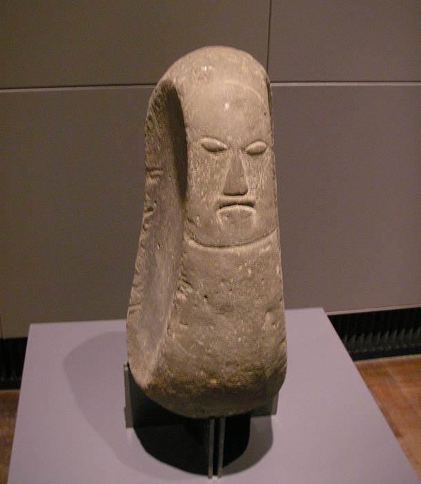 Hawaiian deity figure, possibly the God of canoe carvers.