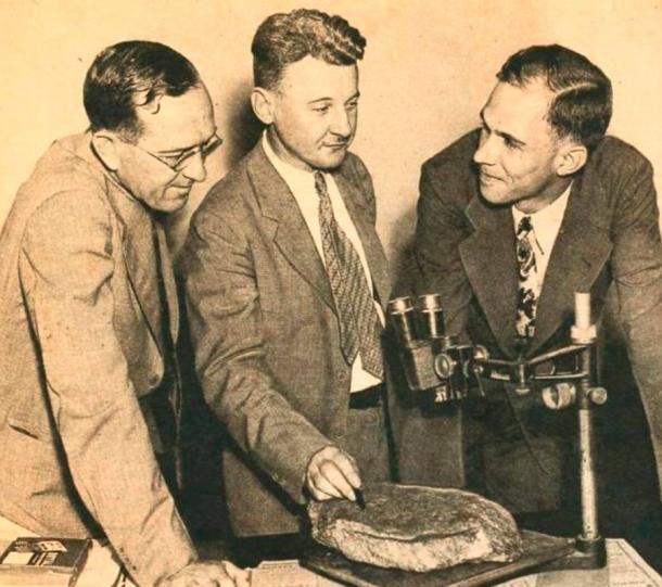 Haywood Pearce, Jr. with Emory colleagues James G. Lester, left, and Ben W. Gibson put the stone under the microscope.