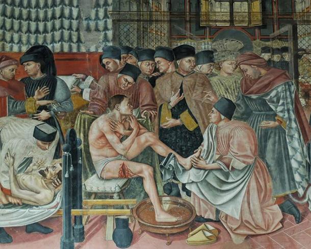 Healing the sick, fresco by Domenico di Bartolo. Sala del Pellegrinaio (hall of the pilgrim), Hospital Santa Maria della Scala, Siena