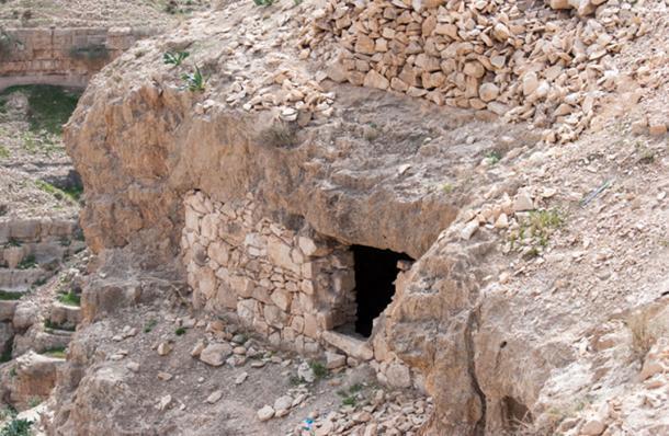 Hermit cells in Kidron valley, Israel. (vadiml / Adobe)
