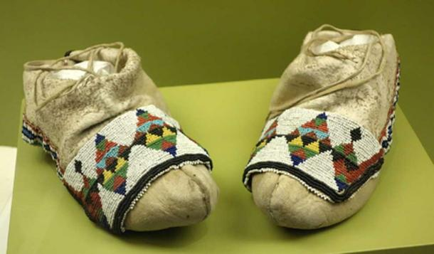 Ho-Chunk moccasins, undated (Image: Daderot/ CC0)
