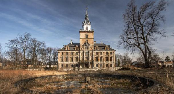 Hochberg Palace in Roztoka, Poland. (TemAonline)