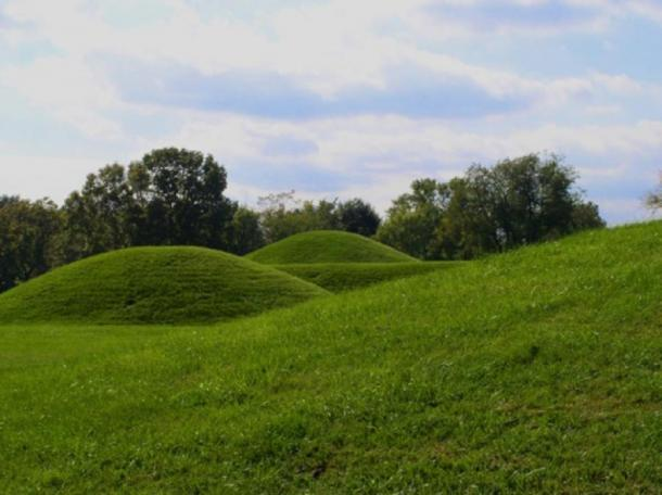 Hopewell mounds from the Mound City Group in Ohio (Heironymous Rowe/CC BY-SA 3.0)