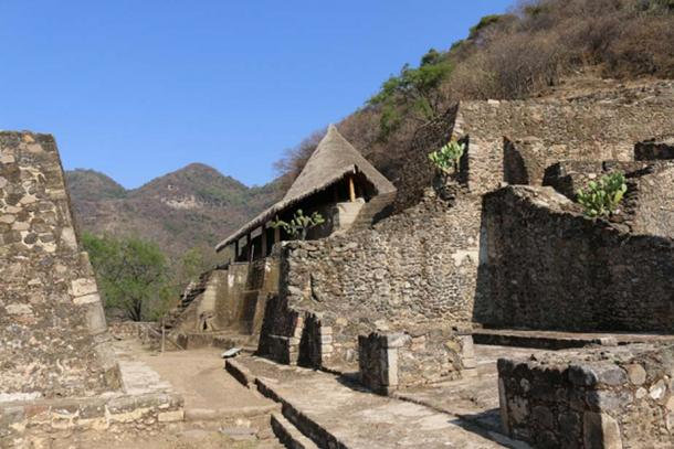 """View of the """"House of the Eagles"""", the main monolithic temple that dominates the site of Malinalco. (© Marco Vigato)"""