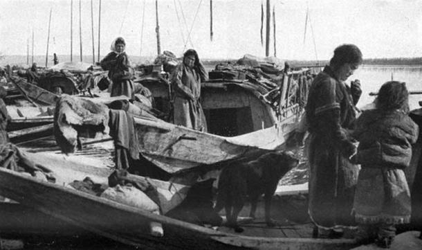 Houseboats of the Kets, 1914. (Public Domain)