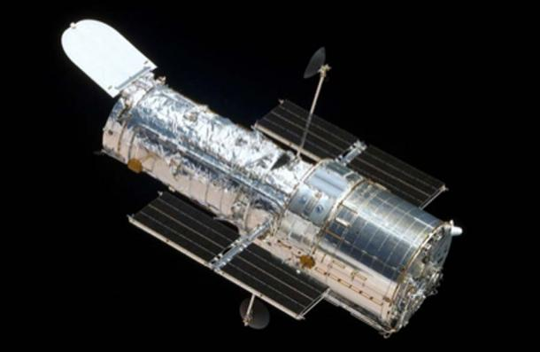 The Hubble Space Telescope was used to study exoplanet K2-18b, which could hold alien life. (Quibik / Public Domain)