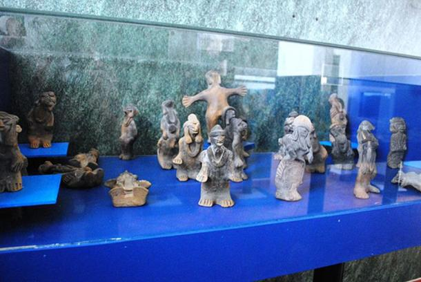 Humanoid figurines from the Acámbaro collection.