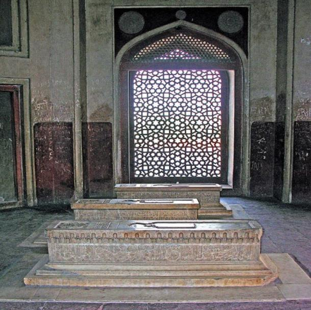 Humayun's family members are also buried here. Photo by Dennis Jarvis, 2007.