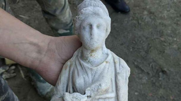 A marble statue of Hygeia, deity of health and daughter of Asclepius, the healing god, discovered at the site. (Municipality of San Casciano dei Bagni)