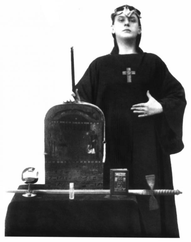 Aleister Crowley as Magus, Liber ABA, in 1912 AD. (Public domain)
