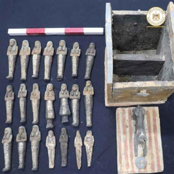 Ushabti statuettes and the wooden box they were found in. Credit: Ministry of Tourism and Antiquities