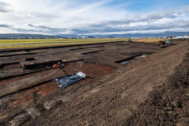Archaeologists were conducting excavations before airport construction works when they came across the Roman baby burial. (Denis Gliksman / INRAP)