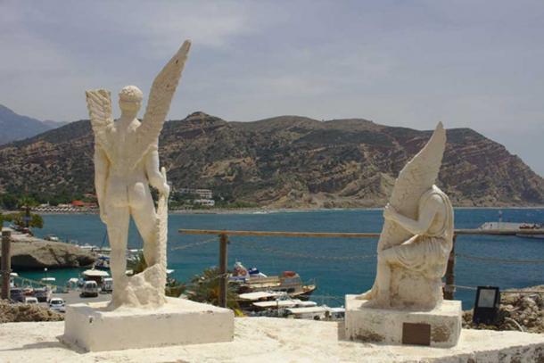 Icarus and Daedalus modern sculpture, Aghia Galini, Crete. (Public Domain)