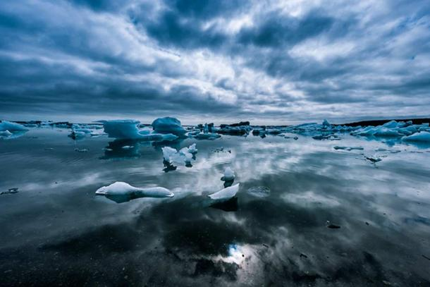 Icland landscapes remind of the frozen realm of Niflheim.