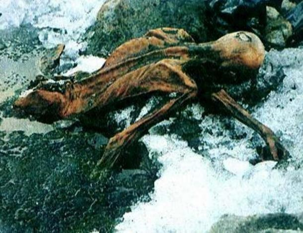 Image of Ötzi the Iceman in a glacier.