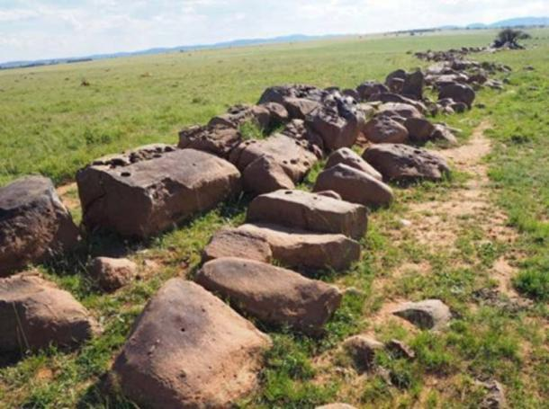 Image of the dyke from the ground. (Dr. Matthew Huber / University of the Free State)
