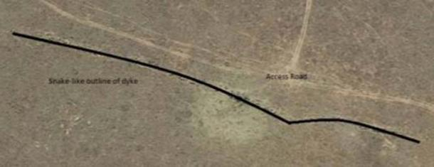 Image showing the outline of the dyke where the carvings were found. (Dr. Matthew Huber / University of the Free State)