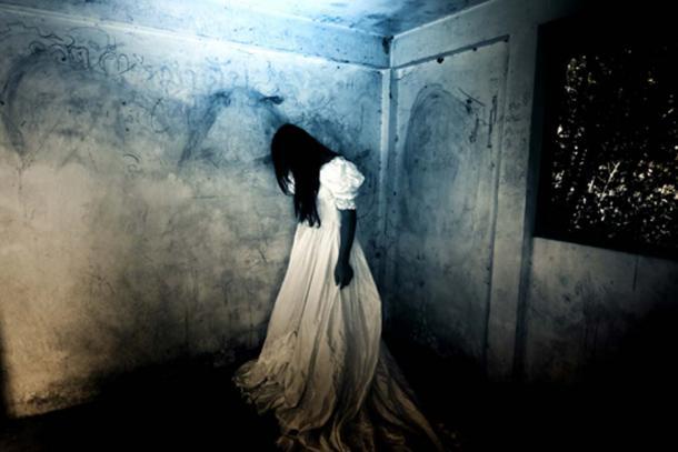 In Mexico City La Llorona began haunting a toddler's bedroom. (Chainat / Adobe)