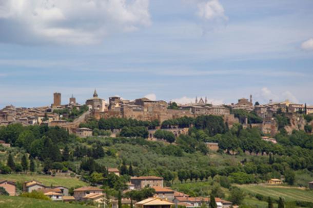 Inhabitants of Civita di Bagnoregio have been relocating to the city's suburban area of Bagnoregio. (bygimmy / Adobe Stock)
