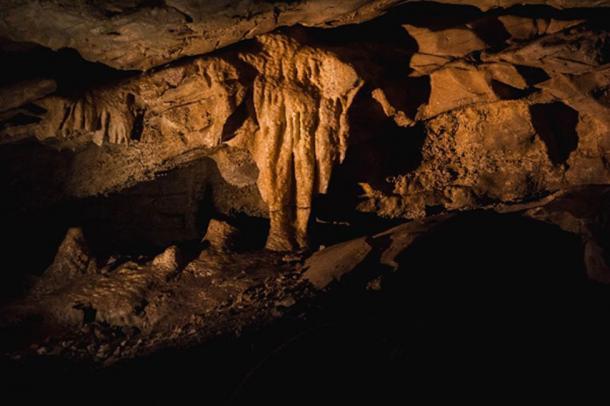Inside Mammoth Cave National Park, Kentucky, USA. (Tristan / Adobe)