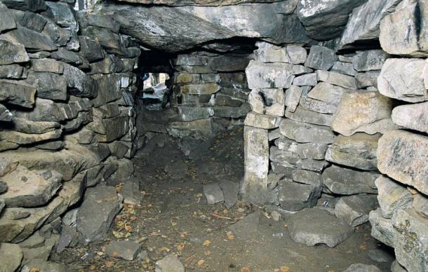 Inside Megalith 1, Vera Island