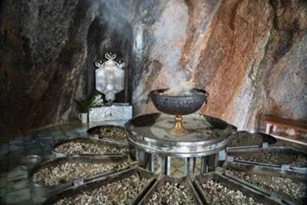 Inside a Zoroastrian fire temple in Iran. (transfers-film/Adobe Stock)