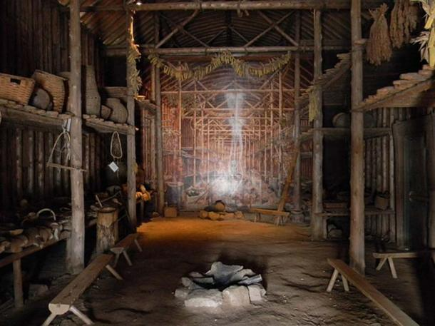 Inside the Longhouse - Iroquoian Village, Ontario, Canada. The 15th century Iroquoian Village was reconstructed on its original site. This village is located along the traditional boundary between the Wendat (Huron) 13th, 14th and 15th centuries and Attiwandaron (Neutral) people 15th, 16th and 17th centuries. (Laslovarga/CC BY SA 3.0)