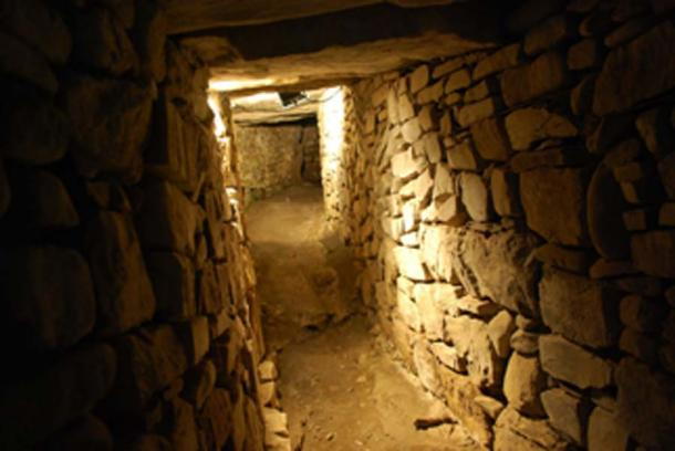 Interior of Knowth tomb, close to the discovery of the Neolithic monument. (Jeanhousen / CC BY-SA 3.0)