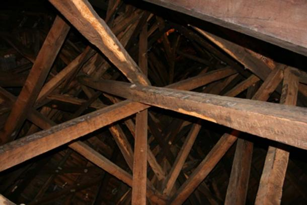 Interior of the spire (Jondaniel / CC BY-SA 3.0)