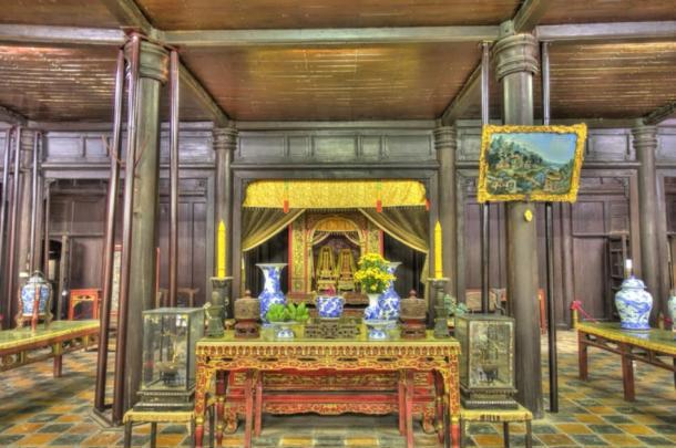 Interior of Tu Duc's tomb complex (mehdi / Adobe Stock)