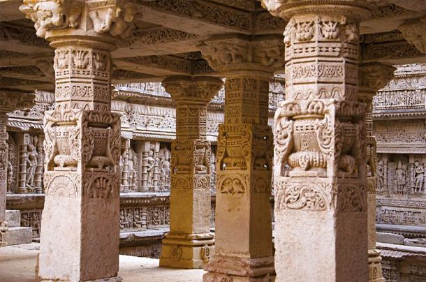 Intricately carved inner wall of Rani ki vav, Gujarat, India (RealityImages / Adobe Stock)